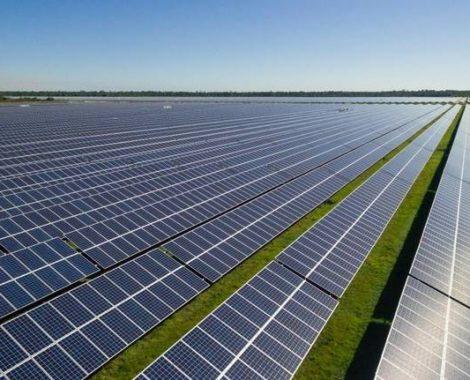 FPL Babcock Ranch Solar Energy Center panels
